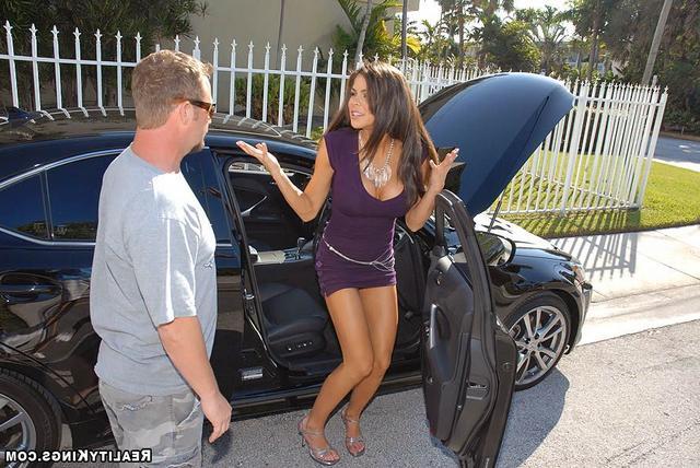 Сексуальные красотки и роскошные авто