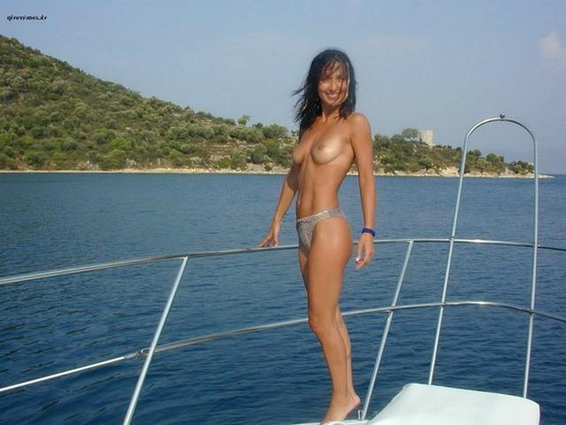 Красивая Елена забавляется в Турции xxx фото